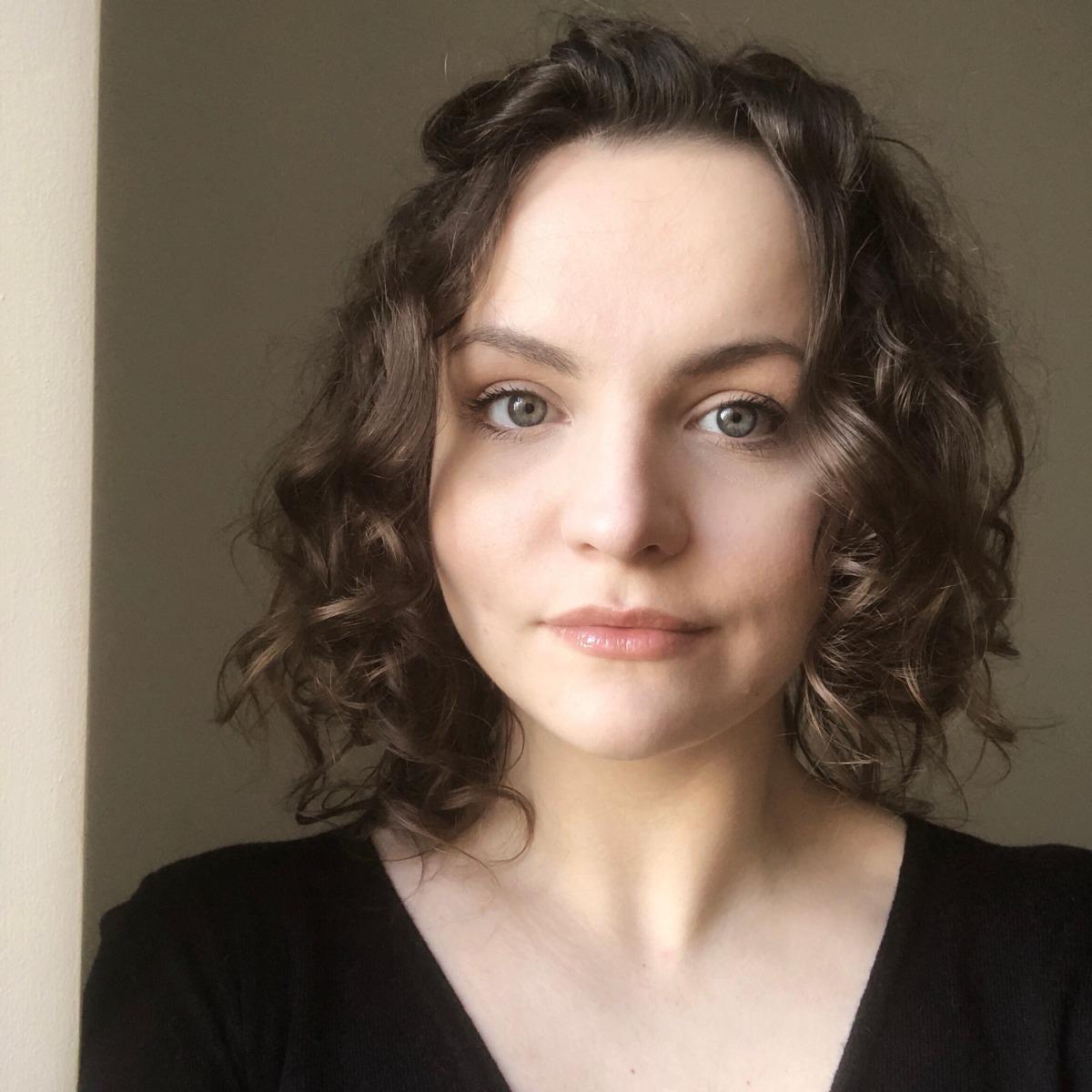 Skaisti un veseli mati bez sulfātiem un silikoniem: kādus produktus varam iegādāties Latvijas veikalos